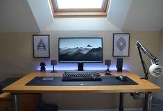 Desk and mic set up. Computer Desk Setup, Gaming Room Setup, Pc Desk, Pc Setup, Gaming Computer, Home Office Setup, Home Office Design, Simple Computer Desk, Dream Desk