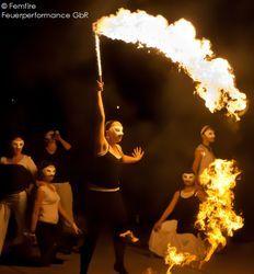Geburtstage, Hochzeiten und Events: Femfire Feuerperformance