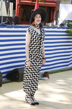 On the grounds of the 11th annual Jazz Age Lawn Party in Governors Island 30s Fashion, Fashion News, Fashion Show, Jazz Age Lawn Party, Mode Style, 1920s, Island, Costumes, How To Wear
