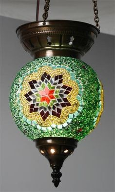 e70e8e634d0055746ce64e42e01e05bc Mosaic Crafts, Mosaic Projects, Mosaic Art, Stained Glass Chandelier, Glass Painting Patterns, Funky Wallpaper, Turkish Lamps, Moroccan Lanterns, Crystal Glassware