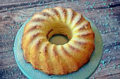 Villámgyors bögrés túrós kuglóf | nlc Ring Cake, Baking And Pastry, Cookie Desserts, Cake Cookies, Bagel, Scones, Muffin, Doughnut, Food And Drink
