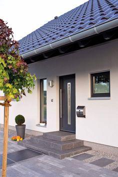 Modern windows and doors by fingerhaus gmbh - bauunternehmen in frankenberg (eder) modern Exterior Design, Entrance, Modern Door, Roof Design, Modern Windows, Brick Steps, Modern Windows And Doors, Front Garden Ideas Driveway, House Front