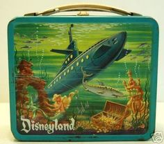 Disneyland. Lunchbox metal vintage.