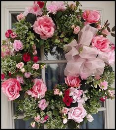 Wreaths: Decorative Door Wreaths, Luxury Christmas Wreaths - Valentine's Day Wreaths - Maplesville, AL - I love roses, wouldn't some daises e breathtaking with these? Valentine Day Wreaths, Valentine Decorations, Easter Wreaths, Christmas Wreaths, Valentines, Wreath Crafts, Diy Wreath, Door Wreaths, Grapevine Wreath