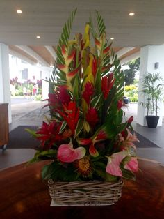 Spectacular summer tropical arrangement in the Hawaii Naniloa Hotel lobby. Tropical Flowers, Tropical Flower Arrangements, Table Flower Arrangements, Hawaiian Flowers, Beautiful Flower Arrangements, Exotic Flowers, Summer Flowers, Beautiful Flowers, Flowers Garden