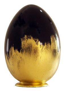 Le Chocolatier Jean-Charles Rochoux | Pâques,  un véritable œuf bijoux au chocolat noir paré de feuille d'or