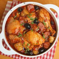 Slow Cooked Chicken Cacciatore recipe by Dale Gray Slow Cooked Chicken, Healthy Chicken, Chicken Recipes, Beer Chicken, Chicken Cacciatore, Mediterranean Chicken, Cooking Recipes, Healthy Recipes, Delicious Recipes