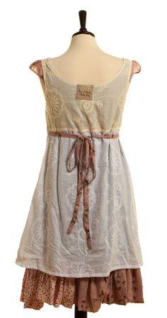 elle-belle.de Kleid Manet - Beige von Ian Mosh skandinavische mode online  kaufen a6d878e9ed