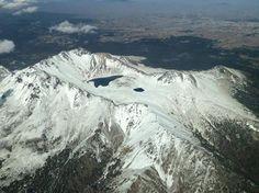 Mexico Foto del Nevado de Toluca (#Xinantecatl) en donde se puede ver la Laguna del Sol y la Luna.  Foto de: @fer_lescale tolucalabellacd.com
