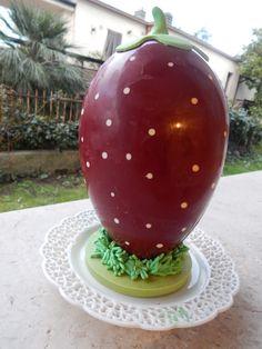 una  fragola ....ma di  cioccolato--- a chocostrawberry