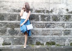10 Blogger Poses to Master | Stylebible.ph