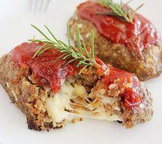 Low Carb Rezepte: Hackbraten gefüllt mit Mozzarella
