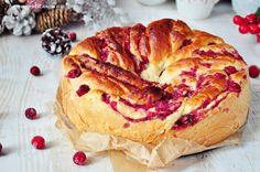Bon appetit mon amie: Świąteczne ciasto drożdżowe z żurawiną