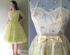 Buttercup Yellow Vintage 50s Flocked Chiffon Prom Dress Party Dress - Light Sunshine Pastel Citrus Lemonade Yellow Circle Skirt Wedding S XS