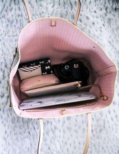 Louis Vuitton Neverfull GM blush inside