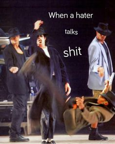 They betta watch em selfs Funny Celebrity Memes, Michael Jackson Funny, O Pop, King Of Music, Cute Memes, Beautiful Soul, Beautiful Sunset, Music Industry, History Books