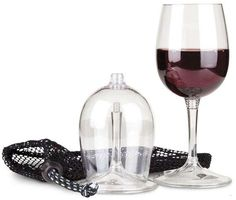 Packable Travel Wine Glass - You'll never want to drink your wine from a Styrofoam cup again after seeing the Packable Travel Wine Glass. This incredible stemware is made to un. Best Red Wine, Red Wine Glasses, Vides, Incredible Gifts, Weird Food, Personalized Wine, Fine Wine, Wine Decanter, Wine Bottles