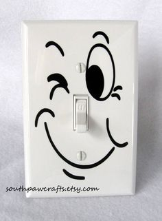 Funny Face Light Switch Plate Cover via Etsy. You can DIY with sharpies. Sharpie Projects, Sharpie Art, Sharpie Doodles, Sharpies, Light Switch Art, Light Switch Plates, Unique Home Decor, Cheap Home Decor, Light Up Words