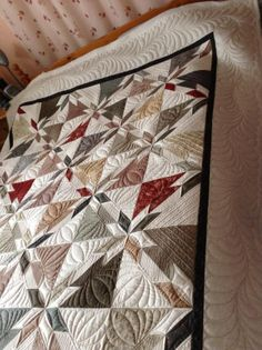 47 Hunters Star Quilts Inspirations from Uncategorized Sew with a single fabric to create the quilt block seem more like a star. Colchas Quilting, Machine Quilting Patterns, Star Quilt Patterns, Quilt Stitching, Free Motion Quilting, Star Quilt Blocks, Star Quilts, Quilting Tutorials, Quilting Projects