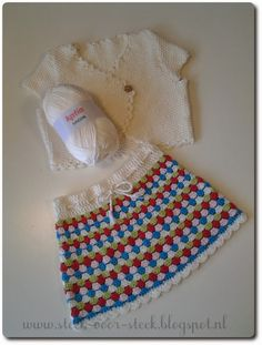 Steek voor steek: Patroon voor rokje in granny-stripe en vestje