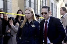 Still of Kirk Acevedo and Anna Torv in Fringe (2008)
