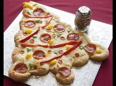 Christmas Tree Pizza | Rhodes Bake-N-Serv