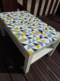 Customiser table déco motifs graphiques