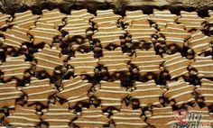 SUROVINY 350 g hladké mouky 250 g tuku 130 g cukru 2 ks žloutky 20 g kakaa špetka soli 1 lžíce medu Christmas Sweets, Christmas Cookies, Chocolate, Desert Recipes, Amazing Cakes, Great Recipes, Cookie Recipes, Food And Drink, Candy