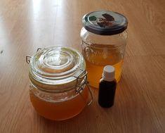 A propoliszos méz igazi gyógyír a szervezetnek, mivel baktériumölő és megakadályozza a vírusok és kórokozók szaporodását. Segít az egészség megőrzésében. Immunerősítő, melyet a gyerekek is ehetik.  Otthoni környezetünkben is könnyedén elkészíthetjük saját és családunk propoliszos mézét. Adagolását tekintve elegendő napi 1-2 kiskanál belsőleg. Kenhetjük kenyérre, tehetjük joghurtba, tejbe.  Mindössze két összetevője van a propoliszos méznek. Mason Jars, Keto, Mugs, Tableware, Yogurt, Dinnerware, Tablewares, Canning Jars, Mug