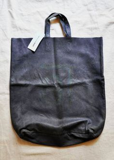 // comme des garçons // simple but beautiful Leather Craft, Leather Bag, Black Leather, My Bags, Purses And Bags, Freitag Bag, Comme Des Garçons Shirt, Comme Des Garcons, Beautiful Bags