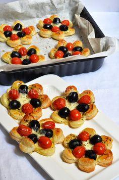 ITALIAN FOOD - SFOGLIATINE CON POMODORINI, OLIVE NERE, MOZZARELLA DI BUFALA. (Cherry Tomato, Black Olives, Mozzarella Cheese, Puff Pastry Tartlets)