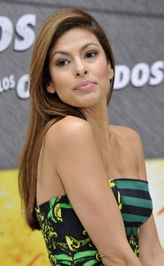 Eva Mendes Long Straight Cut - Eva Mendes opted for long sleek hair while… Eva Mendes Hair, Simply Beautiful, Beautiful People, Sleek Hairstyles, Celebs, Celebrities, Bellisima, Sexy Outfits, American Actress