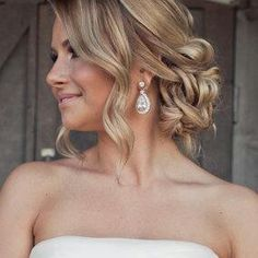 Love Wedding hairstyles for medium length hair? wanna give your hair a new look ? Wedding hairstyles for medium length hair is a good choice for you. Here you will find some super sexy Wedding hairstyles for medium length hair, Find the best one for you, Fancy Hairstyles, Bride Hairstyles, Hairstyle Photos, Hairstyle Ideas, Medium Length Wedding Hairstyles, Bridesmaid Hairstyles, Sweet 16 Hairstyles, Strapless Dress Hairstyles, Ball Hairstyles