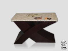 Tavolo trasformato in tavolino/panca e personalizzato con spartiti musicali! #musicfurniture #music #riuso #riciclocreativo #ecodesign #soreadystyle #recycle #upcycle #design - di So.Ready Lab - soreadylab.etsy.com