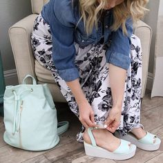 """When you just want to get your new shoes on your feet, but there is a 6 month bump in the way. Then they are finally buckled and you are like, """"Can I get an amen?!?!"""" Ya. That.  xoxo - K #occasionallyfashionable #bump #growingbytheday #bumpin #maternityfashion #maternitystyle #maternitylook #expectingfashion #expectingstyle #bumpstyle #bumpfashion #dressthebump #pregnantstyle #pregnantfashion #bump #maternity #expecting #pregnant #9monthsofchic #preggoista #6months #fashionable #s..."""