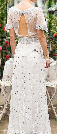 Gatsby style dress. Something like this would be lovely on you, sister of mine!