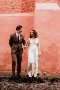 Couple portrait at Mexico destination wedding | Image by Pierce Weddings Bohemian Wedding Inspiration, Destination Wedding Inspiration, Bridal Looks, Bridal Style, Sexy Gown, Ceremony Dresses, Boho Wedding Decorations, Romantic Lace, Best Wedding Photographers