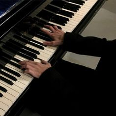 black aesthetic grunge dark shadows piano hands black clothes korean kawaii cute g e o r g i a n a : a e s t h e t i c s Music Aesthetic, Aesthetic Photo, Aesthetic Pictures, Aesthetic Black, Aesthetic Grunge, Aesthetic Writing, Daddy Aesthetic, Night Aesthetic, Aesthetic Videos