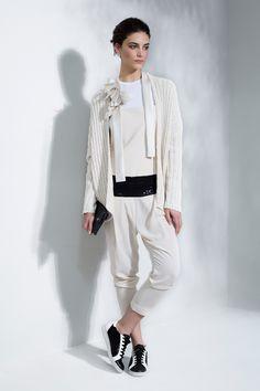 Brunello Cucinelli Milano - Spring Summer 2016 Ready-To-Wear - Shows - Vogue. Fashion 2017, Fashion Brand, Spring Fashion, Fashion Show, Womens Fashion, Milan, Brunello Cucinelli, Petite Fashion, Ready To Wear