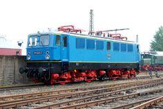 Die 211 049 mit der Farbgebung der Leipziger S-Bahn, die die E11 032,035 und 036 erhalten hatten, 22.08.08