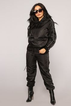 Channing Flight Set Black - Available In White And Black Flight Fabric Long Sleeve Oversized Hoodie Matching Set Self: Nylon Lining: Polyester Imported Suit Fashion, Fashion 2018, Teen Fashion, Fashion Outfits, Swag Outfits, Stylish Outfits, Cute Outfits, Neon Outfits, Activewear Sets