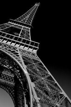 Tour Eiffel. Eiffel Tower. Paris, France