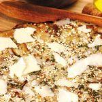 Pizza rovesciata con funghi porcini, Parmigiano reggiano e nocciole