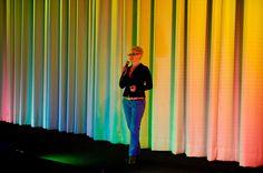 Moderator gesucht? Moderatorin buchen!  Jeannine Tieling übernimmt gerne auch die Moderation Ihres Events.  (Foto: Petra Homeier Fotografie)