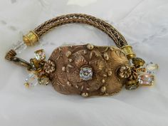 like the viking knit I Love Jewelry, Jewelry Art, Beaded Jewelry, Jewelry Design, Jewelry Making, Jewelry Bracelets, Boho Jewelry, Bangles, Necklaces