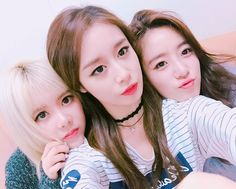 T-ara JiYeon, EunJung, and Qri posed for cute SelCa pictures ~ T-ara World ~ 티아라