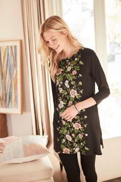 Add spring style to your every day (featuring J.Jill's Floral Knit Tunic)