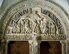 Сен-Мадлен в Везле. Портал нартекса. 1146 Бернард призывает присоединиться ко второму походу. На притолоке - шествие народов, в архивольтах - знаки зодиака.