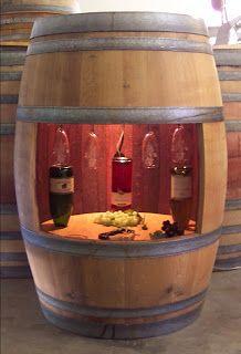 Barril de vino recuperado como mueble bar.