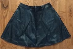 AMERICAN EAGLE BLACK FAUX LEATHER SKIRT SIZE 4 #AmericanEagleOutfitters #SKATER